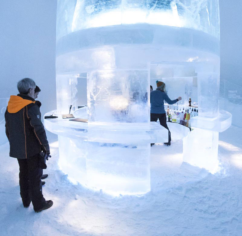 Round bar at the ice hotel