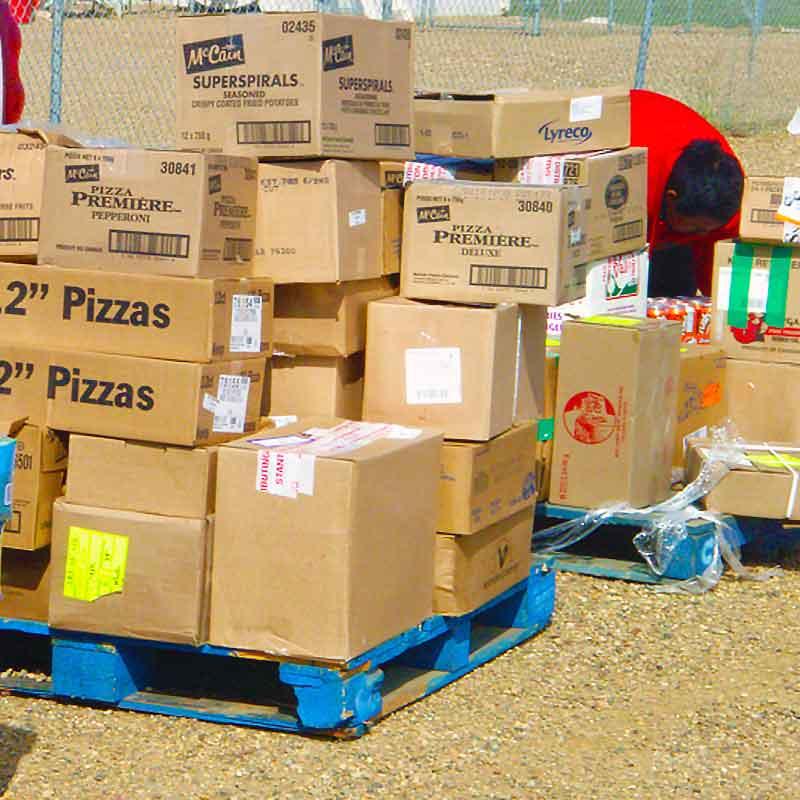 Unloading Pizzas